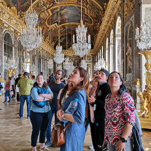 Guided skip the line tour of Versailles and the Hall of Mirrors