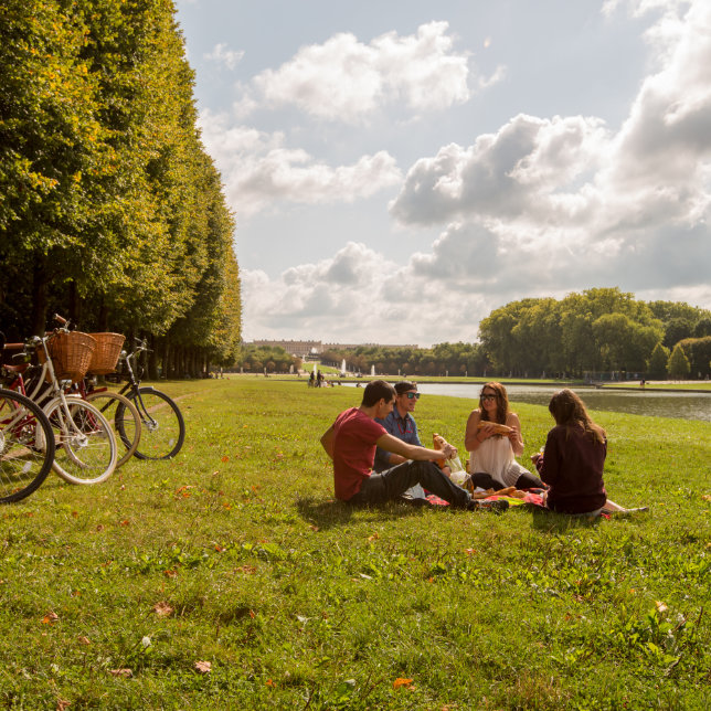 Versailles Food and Palace Bike Tour with Boutique Tours